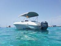 Alquiler de barco de seis metros