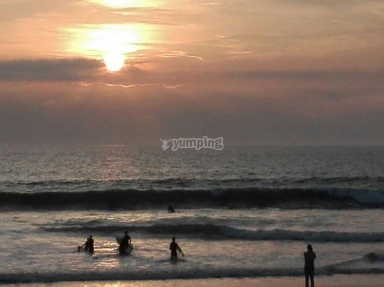 下午冲浪课--999-加的斯海岸日落