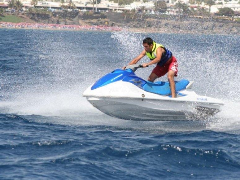 En moto acuatica por Canarias