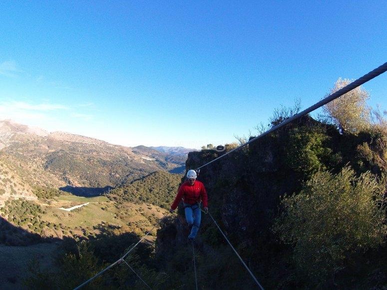Puente para cruzar el monte