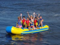 Without hands on the banana boat