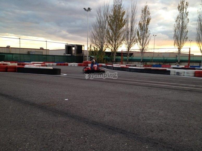 Pilotar un kart biplaza en Madrid