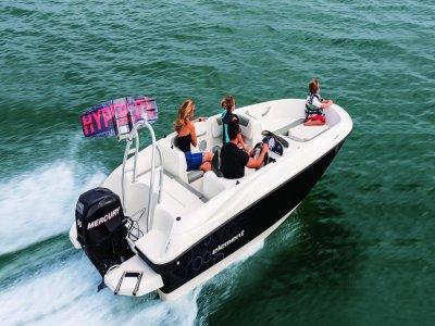 Alquilar barco a motor sin titulación en Alicante