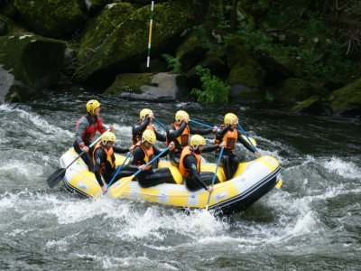 Rafting en el río Ulla nivel bajo - medio