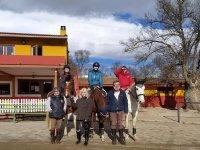 Alumnos de equitación de la escuela