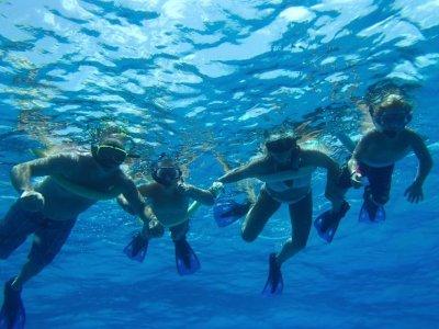 Snorkel para niños en la Reserva de Isla Tabarca