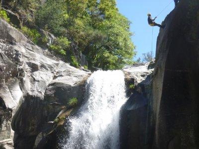 Barranquismo acuático de nivel medio en Pontevedra