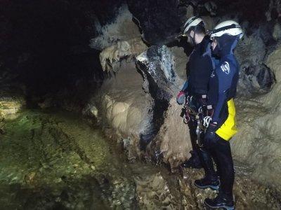 Espeleología en Cueva del Farallón en Riopar