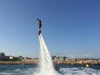 Flyboard sobre el mar en Cambrils