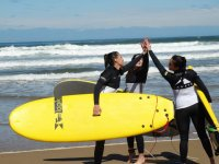 Surfing friendship