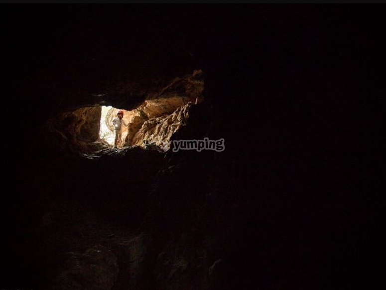 Entrada a la cavidad subterranea