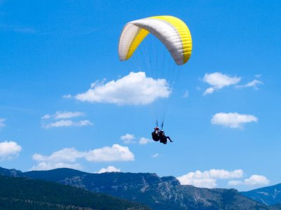 Tandem paragliding in Alt Urgell and photos