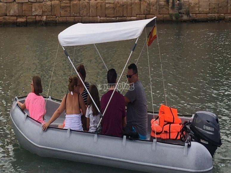Amigos en barca