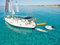 Godersi un giro in barca a vela