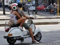 disfruta de la scooter con tu pareja