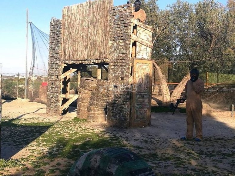 Campo paintball all'aperto