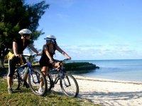 conoce la playa en bici