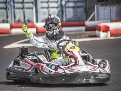 Mini Gran Premio karts para grupos en Estepona