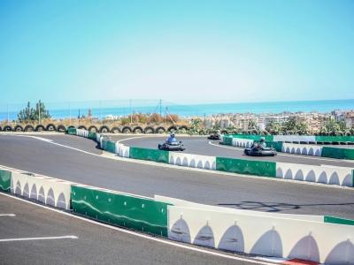 Karting en pista infantil en Estepona 8 minutos