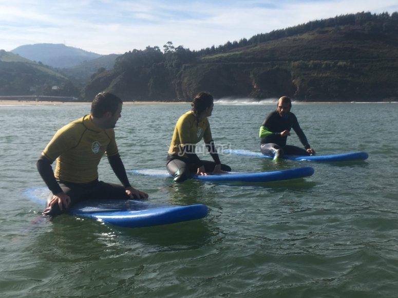 Clases de surf para adultos