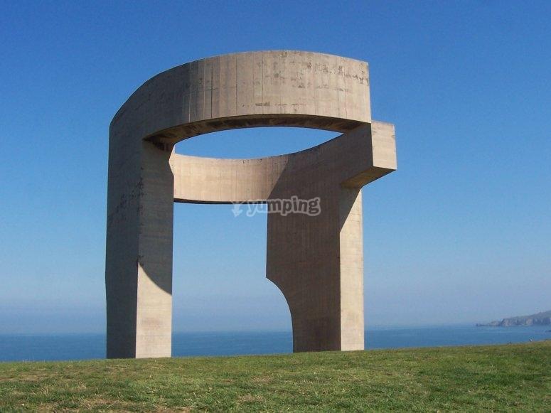 Escultura Elogio del Horizonte