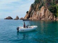 Navega por la costa mediterranea