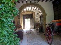 entrada de una puerta en arco
