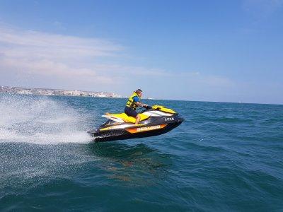 Alquiler de moto de agua en Alicante durante 1h