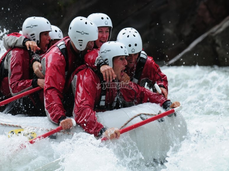Rafting descend