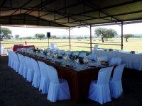 Mesas para evento en Los Espartales