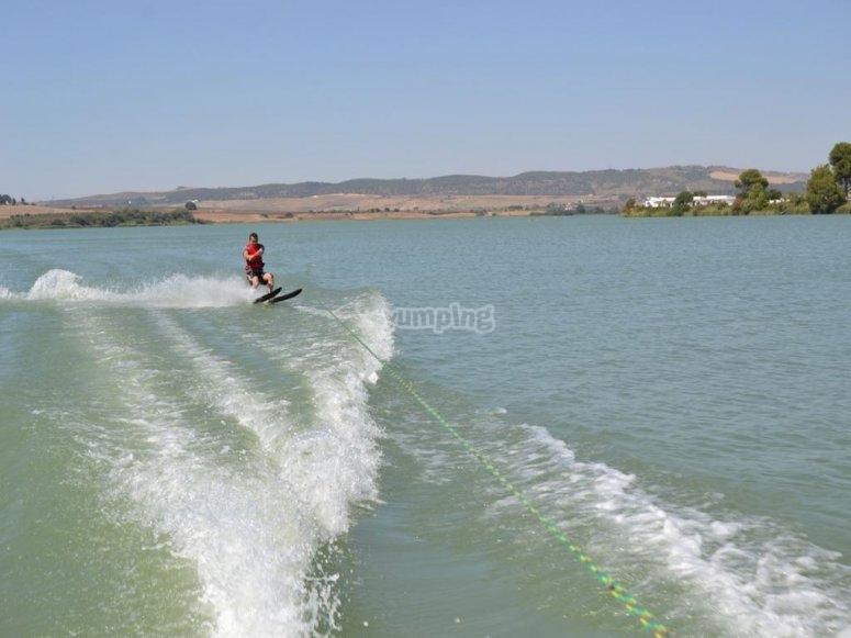 Esquí acuático a gran velocidad
