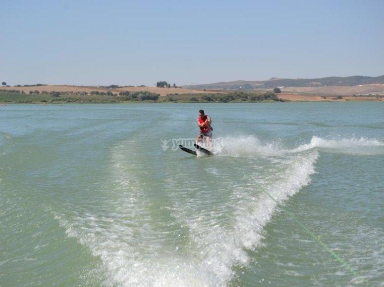Esquiando en el agua