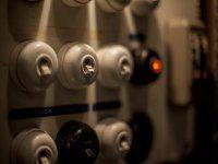 Interruptores, ¿cual hay que encender?