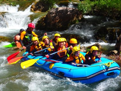 Bachelo Party Rafting Montanejos Bungalow Stay
