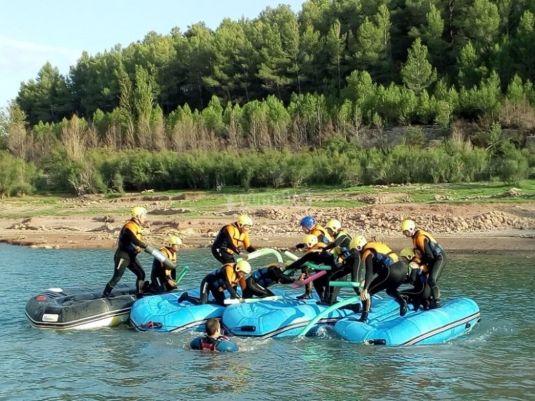 Battle on the rafting rafts