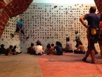 taller de escalada en el rocodromo el muro