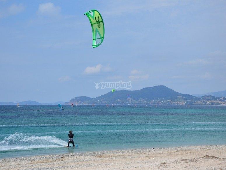 Dos alumnos por kite