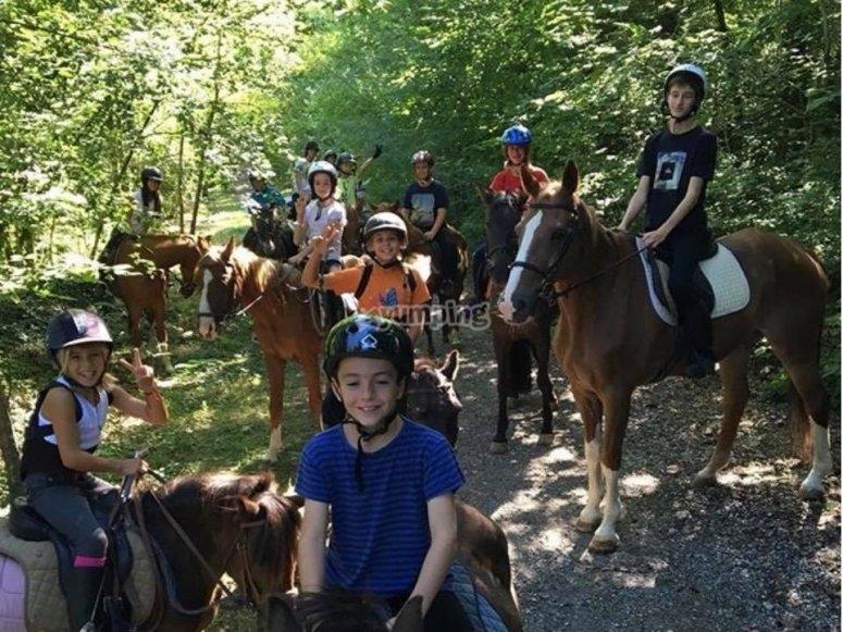 Posando con los caballos para la foto