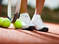打网球和英语