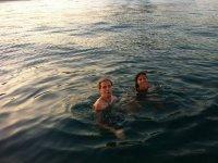 Bañándose en alta mar