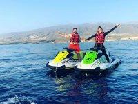 Ruta en pareja con motos de agua