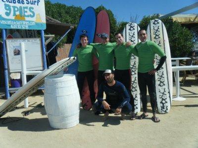 9 Pies Escuela de Surf