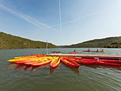 Single-seating kayak rental in Rialb for 1 day