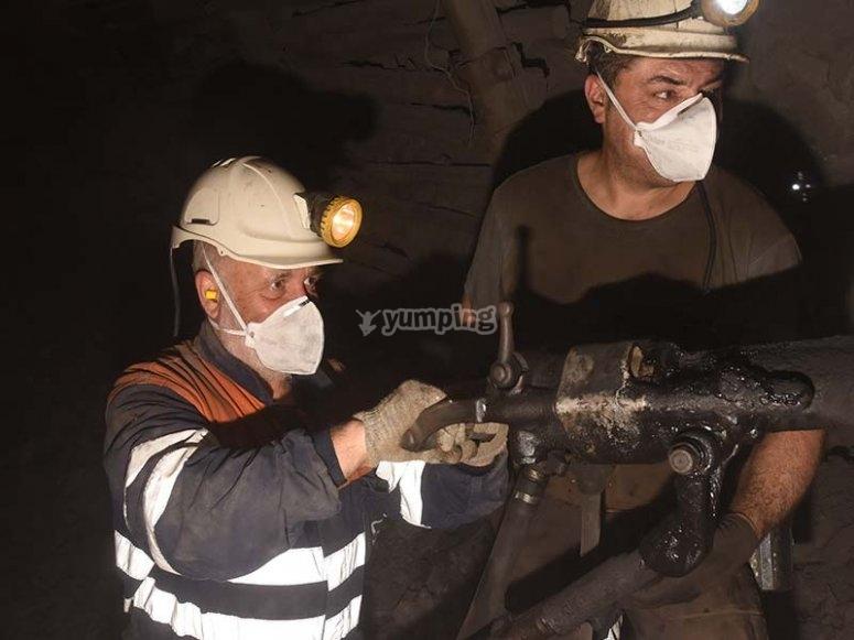 Picando en la mina