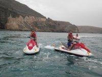 Disfruta del mar en motos de agua