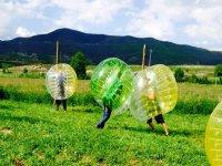 ¡Todos a probar el bubble soccer!