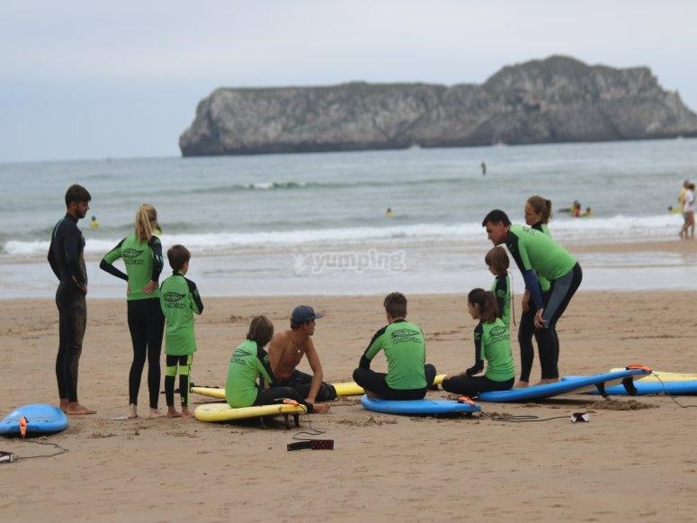 Campamentos de surf para niños
