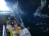 马略卡岛的洞穴浮潜