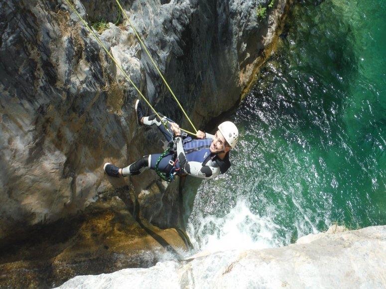 Descendiendo hacia las aguas de Lanjarón