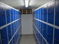 more than 300 lockers for personal belongings
